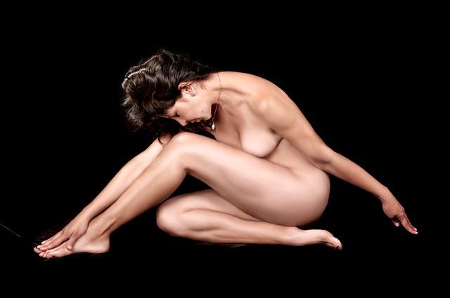naked-459711_640
