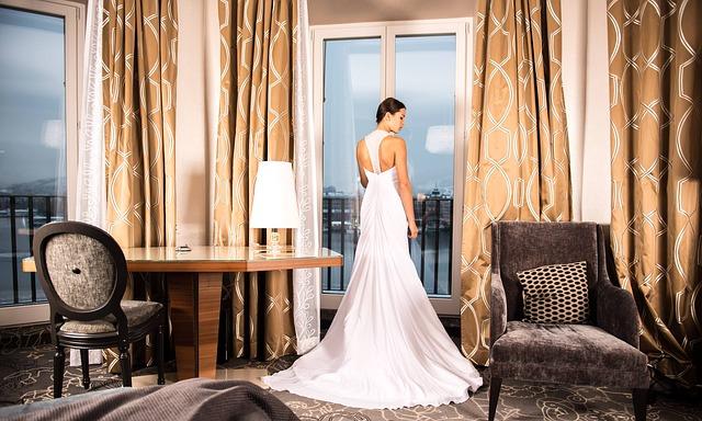 bride-301813_640